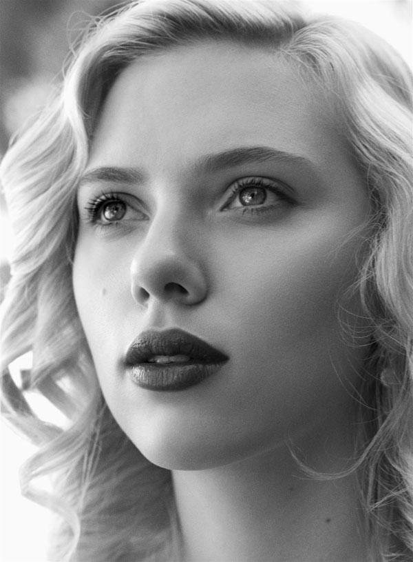 Scarlett-Johansson-Babe-of-the-year06.jpg