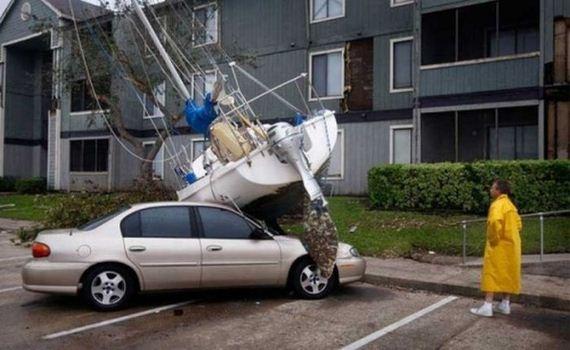 22 İnanılmaz Ve İmkansız Araba Kazaları