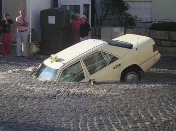29 İnanılmaz Ve İmkansız Araba Kazaları