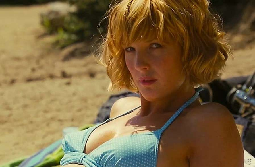 kelly-reilly-in-pale-blue-bikini-top-all-people-photo-u1