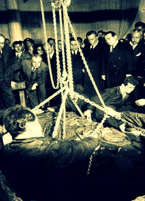 Atatürk'ün naaşının Etnoğrafya müzesinden Anıtkabir'e nakli 1