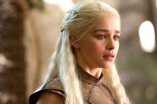 Emilia-Clarke-as-Daenerys